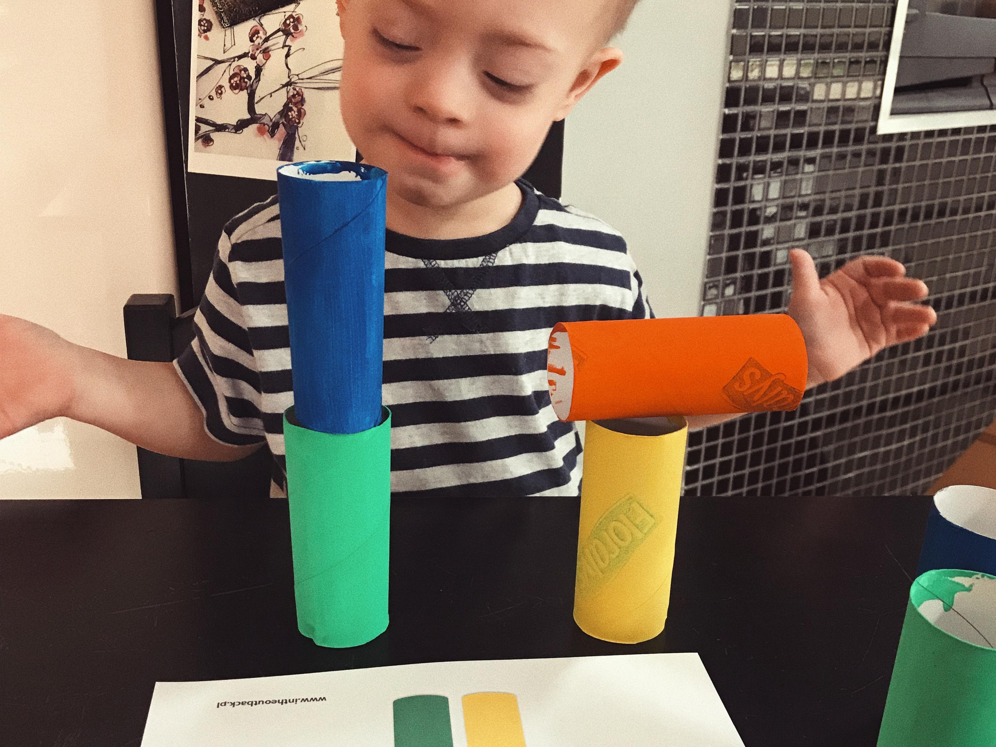 papierowa wieża
